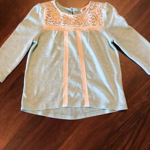 Girls hi-low hemline long sleeve T